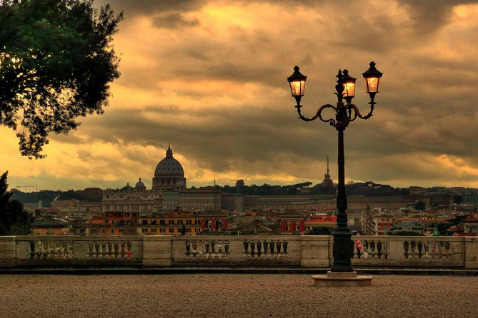 """Discover the three most famous and visited cities of Italy with this private 5 days tour around the """"Bel Paese"""". Starting from Rome, the Italian capital, this tour will stop in Florence and Venice. Enjoy the magical atmosphere of these cities, walking through their narrow alleys and visiting their top attractions."""