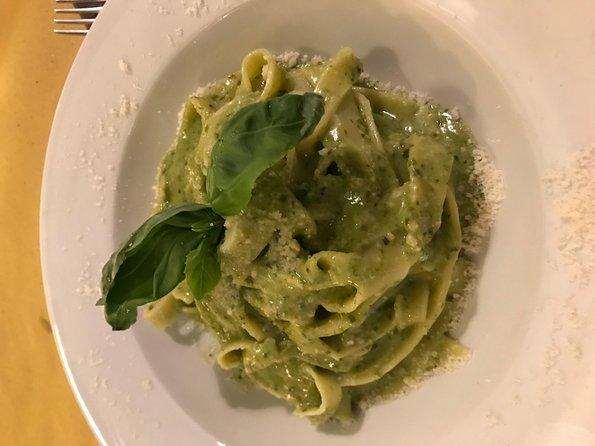 The Roman Food tour in Trastevere 5pm start, Roma, Itália