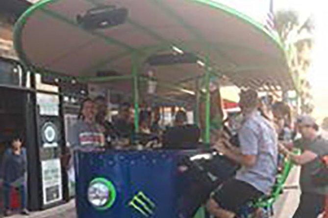 Historic Pub and Bar Pedal Bus Tour of Beach Street, Daytona Beach, FL, ESTADOS UNIDOS