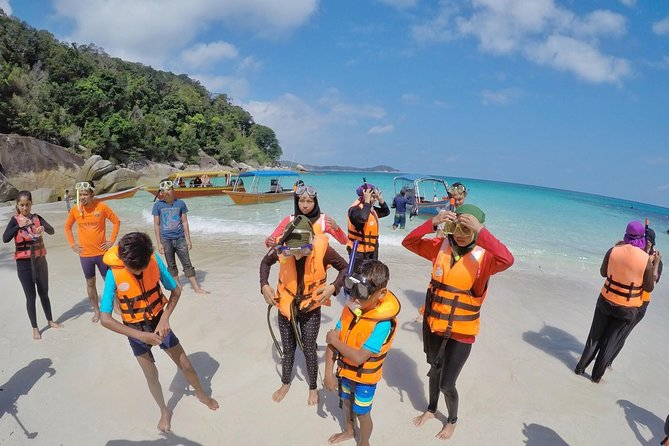 3D 2N- Free & Easy at Shari La Island Resort and enjoy water activities and romantic sunrise and sunset with two snorkeling trips. Explore some of Malaysia's most stunning underwater worlds on this snorkel day. Paddle through tropical fish and coral reefs in the clear blue waters surrounding Perhentian Island, One of the world's most beautiful islands.