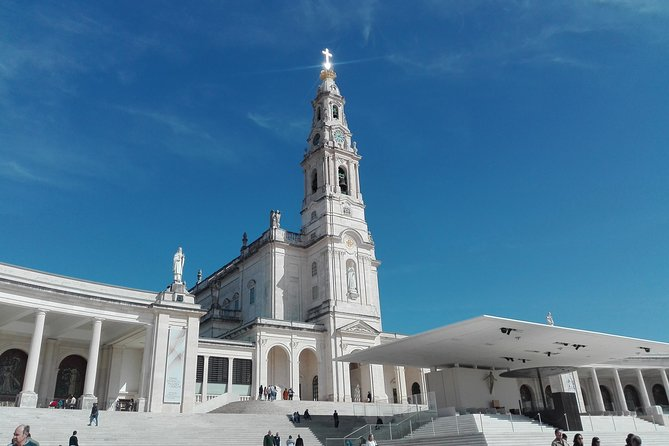Tour with departure from Coimbra to Lisbon, with a stop to visit the Fatima Sanctuary.<br><br>The Shrine of Fatima is a place of Christian pilgrimage and Catholic devotion, preserving the memory of the events that led to its foundation, namely the apparitions of Our Lady of Fatima to the three shepherds - Lúcia dos Santos, Francisco and Jacinta Marto - in 1917.<br><br>In this tour, we will visit the place of Aljustrel, called Aldeia de Valinhos, where the three shepherds lived. Then, wego to Cova de Iria, to the Sanctuary for a free visit of the Basilicas of Our Lady of the Rosário,Santíssima Trindade and Aparições Chapel.<br><br>After a visit, we take direction to City of Lisbon to drop off in hotel to determinate.<br>* This tour can be made in oposite way, fromLisbon to Coimbra, remark in your booking