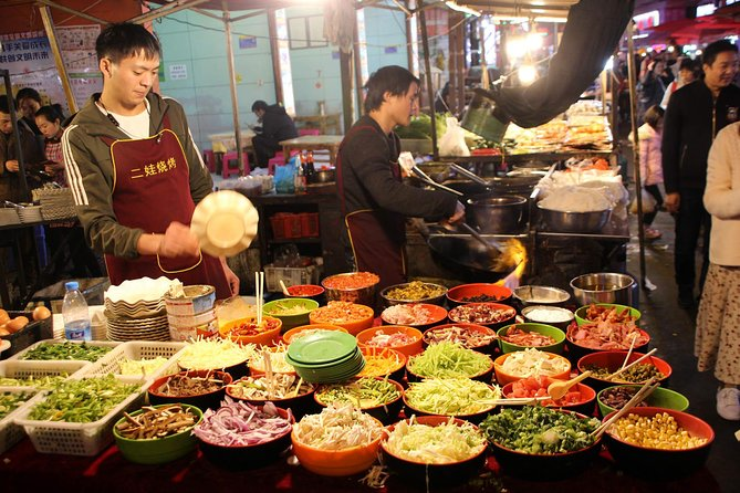 Getting tired of the crowded and commercial touristy places? What can beexperienced in Kunming beside visiting all the landmarks? Where do the Kunming locals usually go for fun? What and where do the Kunming Locals prefer to eat? Ok, This 5 Hours tour will answer all your questions above and show you the most authentic way to immerse yourself in the locals' life. <br><br>The tour will start from your hotel or your accurate position in the downtown of Kunming. You private guide will pick you up and lead you to the largest wet market in Kunming. Wander through the market you may find opportunities to taste many local delicacies. Then you will take the Metro to The Asia's biggest fresh flower market and the night market of Kunming. You will be introduced to 3 different local snacks on the night market. After experiencing hustle and bustle night market, your guide will help you to arrange a Taxi and send you to your hotel/Accurate position upon request.
