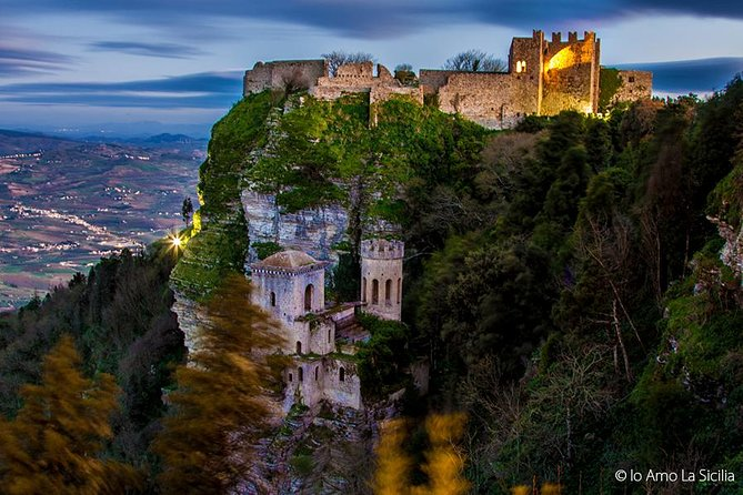 Walking tour through the ancient streets of Erice, medieval town settled by Elymians and visit the V sec. A.C. Greek Temple of Segesta and Selinunte.<br><br>ENJOY YOU THE ASSISTANCE IN ENGLISH LANGUAGE, DURING THE DAY TRIP AND OUTSIDE THE MUSEUMS OR ARCHEOLOGICAL AREAS , FOR ONLY € 75 (IT IS NOT AN AUTHORIZED TOUR GUIDE SERVICE- IT IS ONLY AN ASSISTANCE )