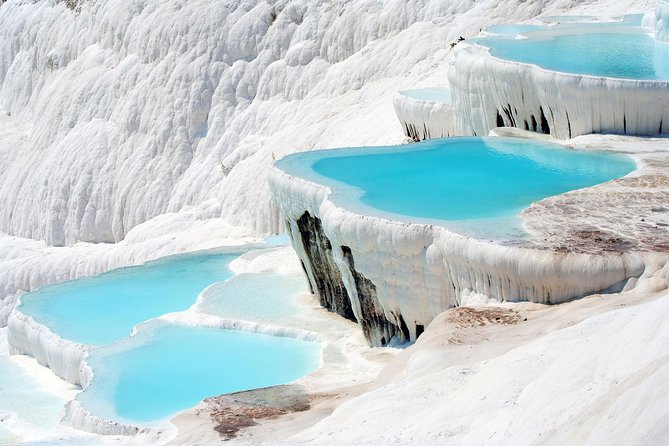 Top places to see<br> • The village of Karahayit<br> • Pamukkale visit<br> • The ruins of ancient city of Hierapolis