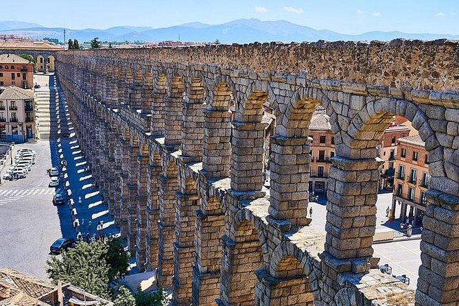 Hike & Discover Guadarrama National Park close to Madrid city centre and then, visit the monumental town of Segovia with an official tour guide: Aqueduct, Cathedral, Alcazar castle and old town. Private Transport. All included.