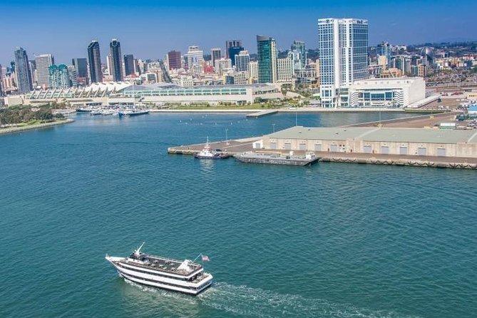 Cruzeiro pelo porto de San Diego, San Diego, CA, ESTADOS UNIDOS