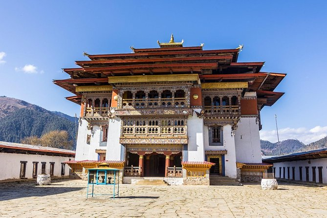7 Nights Bhutan Tour is the package of 8 days which traverses through the important landmarks and reaches the Gangtey Valley. The tour includes the refreshing hike to the spectacular Taktsang Monastery 'Tiger's Nest' perched in a vertical cliff. Bhutan Gangtery Trongsa Tour travels to colorful Paro, tiny capital Thimphu, fertile valley Punakha, glacial valley Phobjikha, beautiful Gangtey, eastern region Trongsa, and finally ends back at Paro. The overall tour explores rural Bhutan and its religious and historical past.