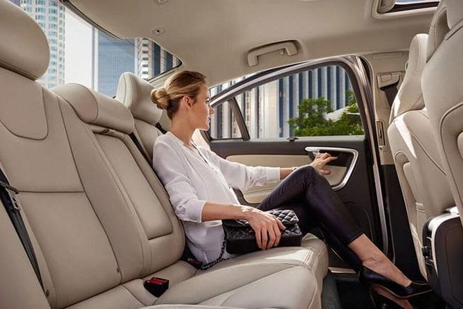 Low Cost :- Hire an Executive Luxury Car Services in Toronto GTA, Toronto, CANADA