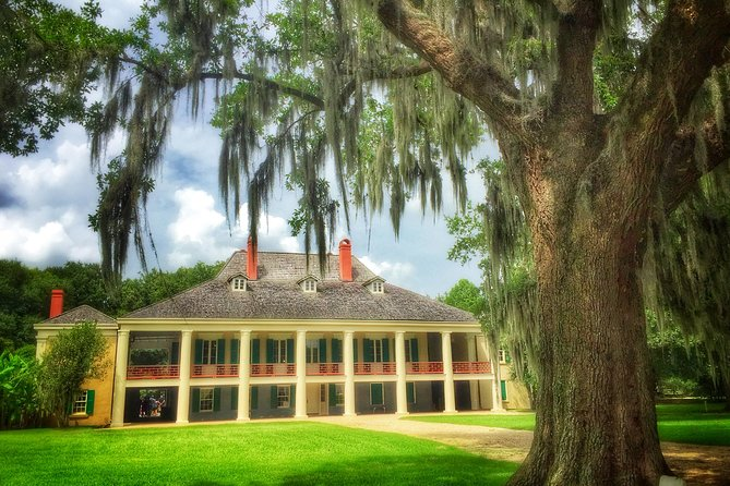 See a variety of wildlife on a swamp boat ride and explore an authentic southern plantation on this tour from New Orleans. See alligators, egrets, raccoons and snakes during your ride around a private Louisiana swamp after taking a tour of Destrehan Plantation, the oldest documented French Colonial style house in the Lower Mississippi Valley.
