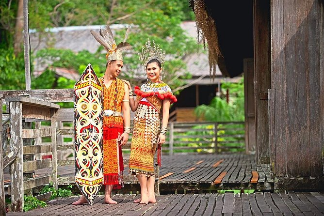 Get a special perspective on Malaysia's local peoples and traditions with a visit to Sarawak Cultural Village. This living museum showcases the region's unique and diverse cultures in an accessible, visitor-friendly setting, just a 35-minute drive from Kuching.<br>- Remarkable living museum showcasing Sarawak's cultures<br>- A walk through beautiful & authentic traditional buildings<br>- Members of the local community partaking in daily activities<br>- Rare chance to learn how to throw a Malay spinning top<br>- Flurry of colors in a stunning multi-ethnic performance