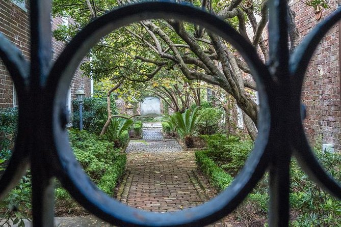 Charleston's Most Beautiful Walk Guided Walking Tour, Charleston, SC, ESTADOS UNIDOS
