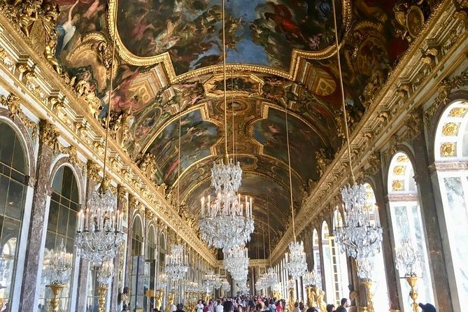 Versailles Palace & Marie-Antoinette's Estate Private Guided Tour with Lunch, Paris, FRANCIA