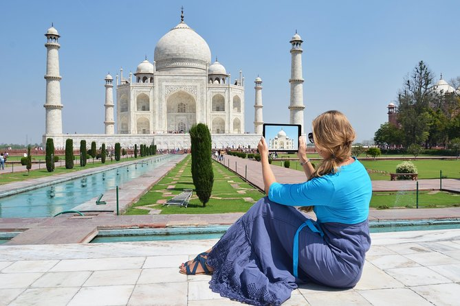 Experience one of the world's most romantic buildings with a skip-the-line ticket to the Taj Mahal in Agra, and discover a jewel of Islamic architecture. Explore the marble mausoleum built by Shah Jahan following the death of his wife Mumtaz Mahal.