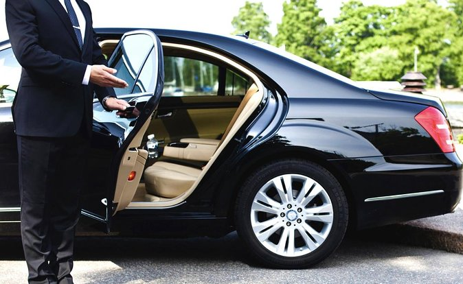 Low cost private Transfer from Eindhoven Airport to Eindhoven City - One way, Eindhoven, HOLLAND