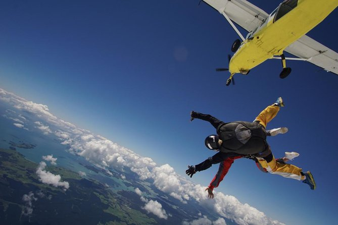 Ever wanted to see The Bay of Islands & not much time to do it? Skydive with us at 20,000ft theHIGHEST in The North (NZ'S HIGH ALTITUDE SKYDIVE), the only way we know how to do it! The Bay of Islands has 144 islands that simply must be experienced from altitude, not to mention on fantastic days you can see right up to Cape Reinga!<br><br>Be the envy of family & friends and have the ultimate rush with us, our dedicated team of tandem instructors will be with you every step of the way.