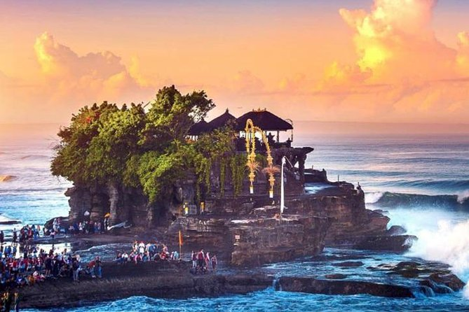 Explore Bali's UNESCO-listed rice terraces and magnificent temples on a full-day private tour and benefit from the undivided attention of a private guide. Marvel at sacred temples such as Ulundanu Beratan and Tanah Lot; visit a Luwak coffee plantation; and discover the unique 'subak' irrigation system on a walk around the Jatiluwih Rice Terraces.