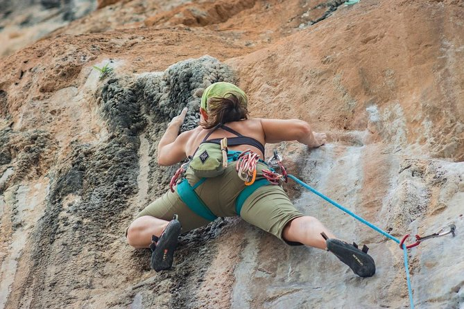 Full-Day Rock Climbing Course at Railay Beach by King Climbers, Krabi, TAILANDIA