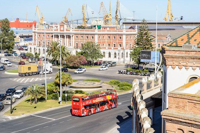 Recorrido en autobús turístico con paradas libres por la ciudad de Cádiz, Cadiz, ESPAÑA