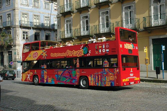 Tour en autobús con paradas libres por la ciudad de Funchal, ,