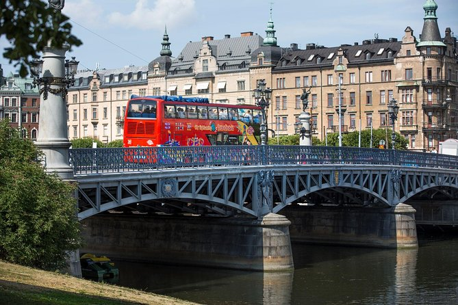 Recorrido turístico por la ciudad de Estocolmo en autobús con paradas libres con paseo en barco opcional, Estocolmo, SUECIA