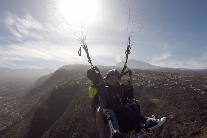 Paragliding Tandem Flight in Teide National Park, Gran Canaria, ESPAÑA