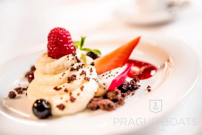Crucero de 3 horas con cena gourmet de Prague Boats, Praga, REPUBLICA CHECA