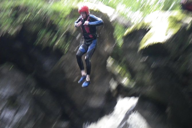 Canyoning Half-Day Trip at Keltneyburn from Aberfeldy, Aberfeldy, ESCOCIA
