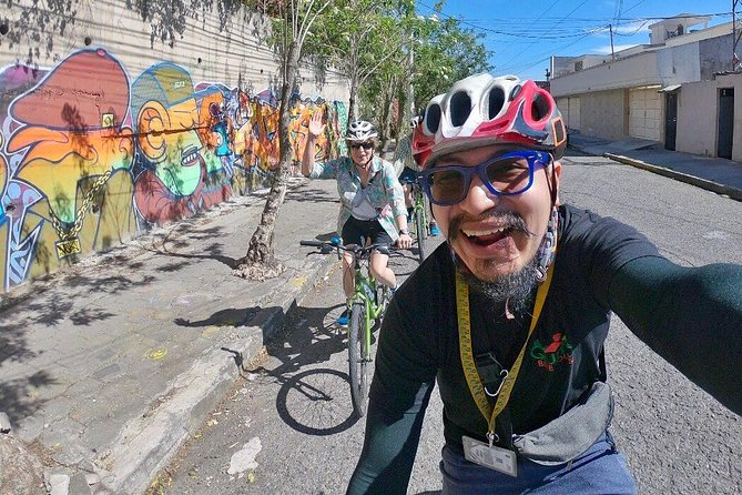 Explore Urban Quito on a Bike (1 Person PRIVATE), Quito, Equador