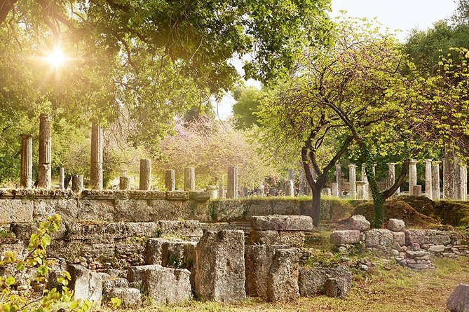 Enjoy a guided tour to the archaeological site and museum of Ancient Olympia with a licensed guide and air-conditioned vehicle. The tour includes pick-up and drop-off from/to Katakolo Port and free time to explore the modern Olympia town.