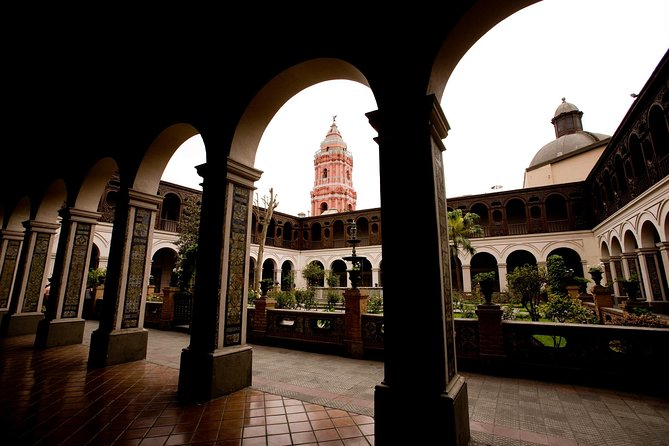 Lima in a Day: City Sightseeing Tour, Larco Museum and Magic Water Circuit, Lima, PERU