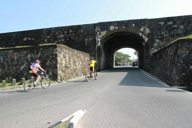 City & Fort Cycling tour in Galle, Galle, SRI LANKA