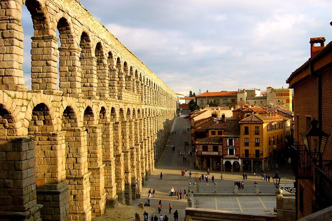 Discover the legacy of two beautiful World Heritage cities and be amazed by monuments such as the Segovia Aqueduct or the Walls of Ávila. Besides, with this reservation, you also get a free Madrid City Tour on the date you choose.<br><br>Excursion to Segovia and Ávila for intelligent travellers. Enjoy more paying less with our best value tour to Segovia and Ávila. The best of the excursions from Madrid to these two heritage cities were key to forging the Kindom of Castile and Spain. Take advantage to visit Segovia and Ávila and meet world icons such as the Aqueduct of Segovia and the Walls of Ávila!