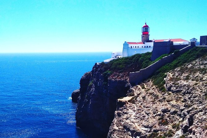 In comfort in our MiniVan with air conditioning we will visit the village of Sagres and St. Vincent Cape