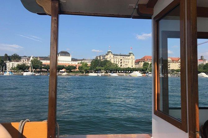Zurich Visit to the Lindt & Sprungli Chocolate Outlet Shop in Kilchberg by Boat, Zurich, Suíça