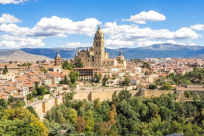 Your chauffeur pick you up from your accommodation or place of choice in Madrid, you will head off to Segovia, located approx. 90 km from Madrid. You can also reach Segovia with fast train with your private official tour guide.    <br><br>Once you arrive to Segovia, your guide will be waiting for you for a 3 hour private tour.  <br><br>Its most emblematic site is the Roman aqueduct, which is one the world's most perfect Roman engineering works, however you will be able to construct your tour as you wish, see the below highlights that you can include:  <br><br>The Cathedral (built in 1558), Alcazar of Segovia, Monasterio del Parral, Casa de los Picos, La Muralla (Ramparts), Iglesia San Esteban, Plazuela de San Martín, Jewish Quarter, Zuolaga museum, Iglesia de la Vera Cruz, Iglesia de San Millán.   <br><br>After your tour, you will have some free time before your private vehicle will take you back to the point of departure in Madrid.