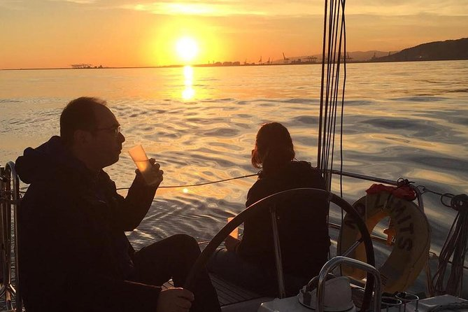 2.5-hour Small-Group Sunset Cruise from Barcelona, Barcelona, Spain