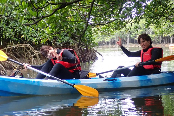 Experience the mangrove on ishigaki by kayak! Relax and watch the mangrove go by while you float down the river with the sound of the birds. The mangrove is more shelted than the sea so you can enjoy a more relaxed tour when compared to paddling on the ocean. Beginners are welcome on the Mangrove tour!