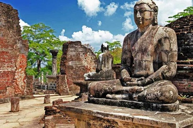 Full-Day Tour To Polonnaruwa Ancient City, Sigiriya, SRI LANKA