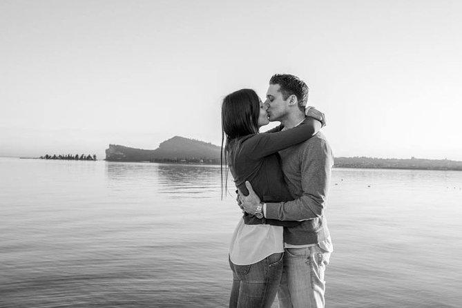 Private Photo Session with a Local Photographer in Desenzano del Garda, Brescia, Itália