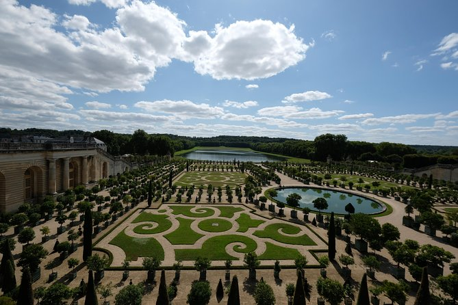 Last Entry Versailles Small Group After the Crowds with Garden Show, Paris, FRANCIA