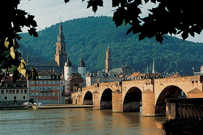 Combine the beautiful cities Heidelberg and Munich by a leisurely ride on a modern national coach line bus from Heidelberg to Munich. Enjoy two nights in each city including a city tour in both destination.