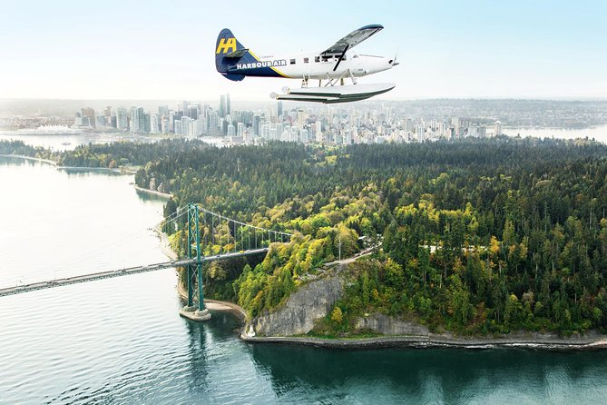 This 35-minute seaplane flight is a quick and easy way to travel from Victoria to Vancouver, and adds a little excitement to boot. In Victoria, capture prime aerial views of Inner Harbour, Fairmont Empress hotel and BC Parliament Buildings. Fly north over the Salish Sea and the Gulf Islands, and then make a splashy ending at Vancouver's Coal Harbour.
