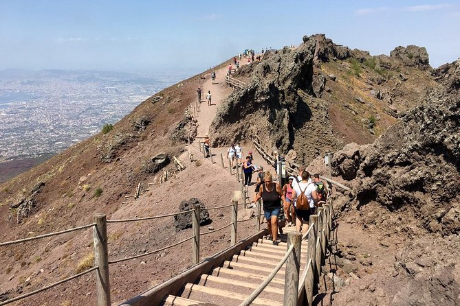 Half-Day Trip to Mt. Vesuvius from Naples, Napoles, Itália