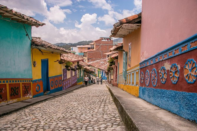 Guatape and El Peñol Day-Trip from Medellin with Traditional Colombian Lunch, Medellin, COLOMBIA