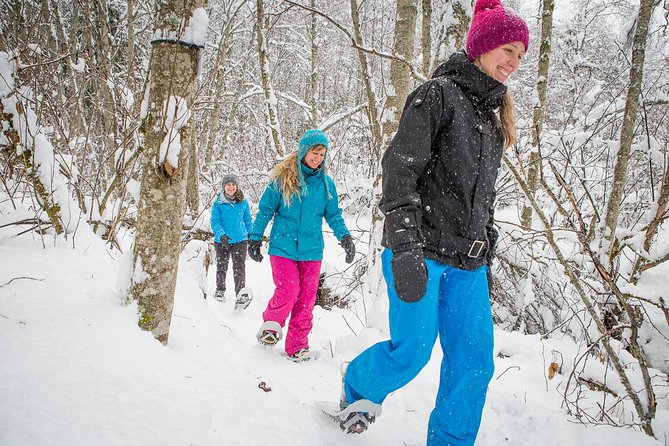 Go exploring on showshoes on the trail of your choice. Reserve your snowshoe rentals at Tremblant resort. Pick-up at The Activity Centre, located in the heart of the pedestrian village.