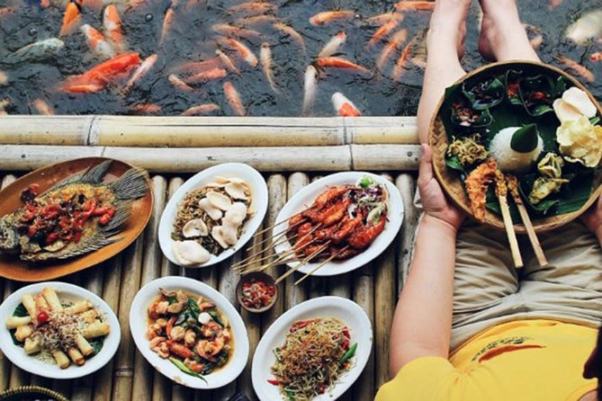 End your day trip in Bali with Balinese Seafood Cuisine Dinner and Massage Half Day Tour. This tour is a combination of Bali spa and dinner in Bali. While Bali spa will help your body and mind to relax, the dinner that comes before the treatment will spoil your tummy and tongue. You can choose between Anika Spa Bali (if you're staying within Kuta, Seminyak, or Jimbaran areas) or M Spa Bali (if you're staying in Nusa Dua). Other than a relaxing spa treatment, this Bali half day tour also include a delightful dinner in Mang Engking Restaurant. This Bali restaurant serves tasty prawn, shrimp, and other seafood cuisine.