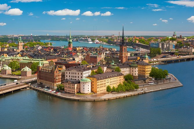 First time to Stockholm? Then an overview of the city centre, Old Town and Södermalm on our Stockholm Syndrome Private Walking Tour is in order. With a stop for a sweet treat and photo ops, what's not to be captivated by?