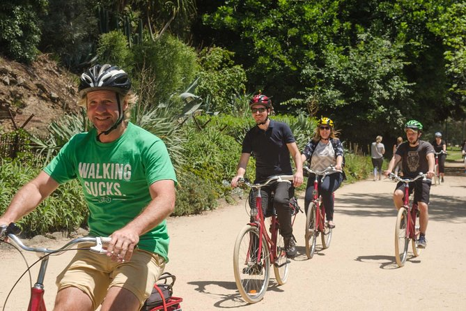 See the the iconic sights of Melbourne while discovering it's vast history as you join this small-group bike tour. Enjoy a 4.5 hour relaxing bike tour all while socializing and getting some exercise with your entertaining and knowledgeable local guide.