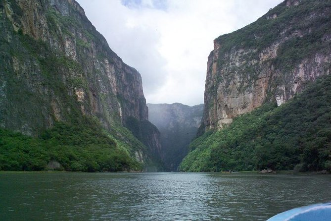 Immerse yourself in the awe-inspiring Sumidero Canyon on a boat trip to enjoy the sight of impressive waterfalls, enter mystical caves and see the cliff where Chiapanec Warriors committed suicide instead of being forced to surrender to the Spanish Conquistadores. Pass through the colonial town of Chiapa de Corzo on your way back to San Cristobal.
