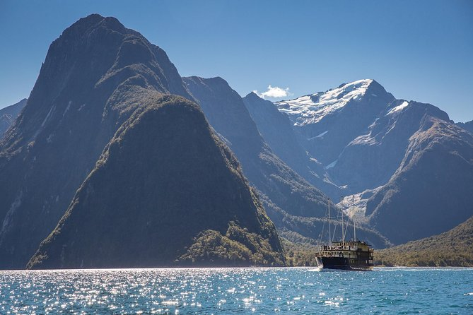 Milford Sound Nature Cruise from Queenstown, Queenstown, NOVA ZELÂNDIA